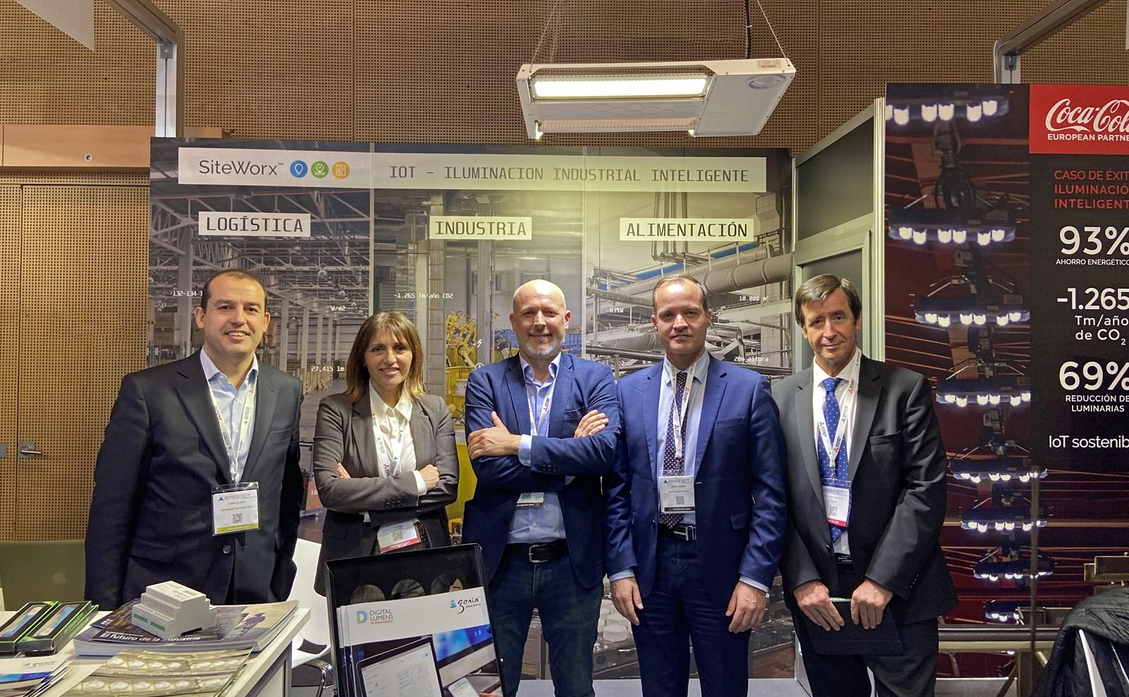 En la inauguración visitaron nuestro stand Empar Martinez Bonafé, directora general de Industria, Energía y Minas de la Generalitat Valenciana, y Albert Planas Riera, director de Advanced Factories