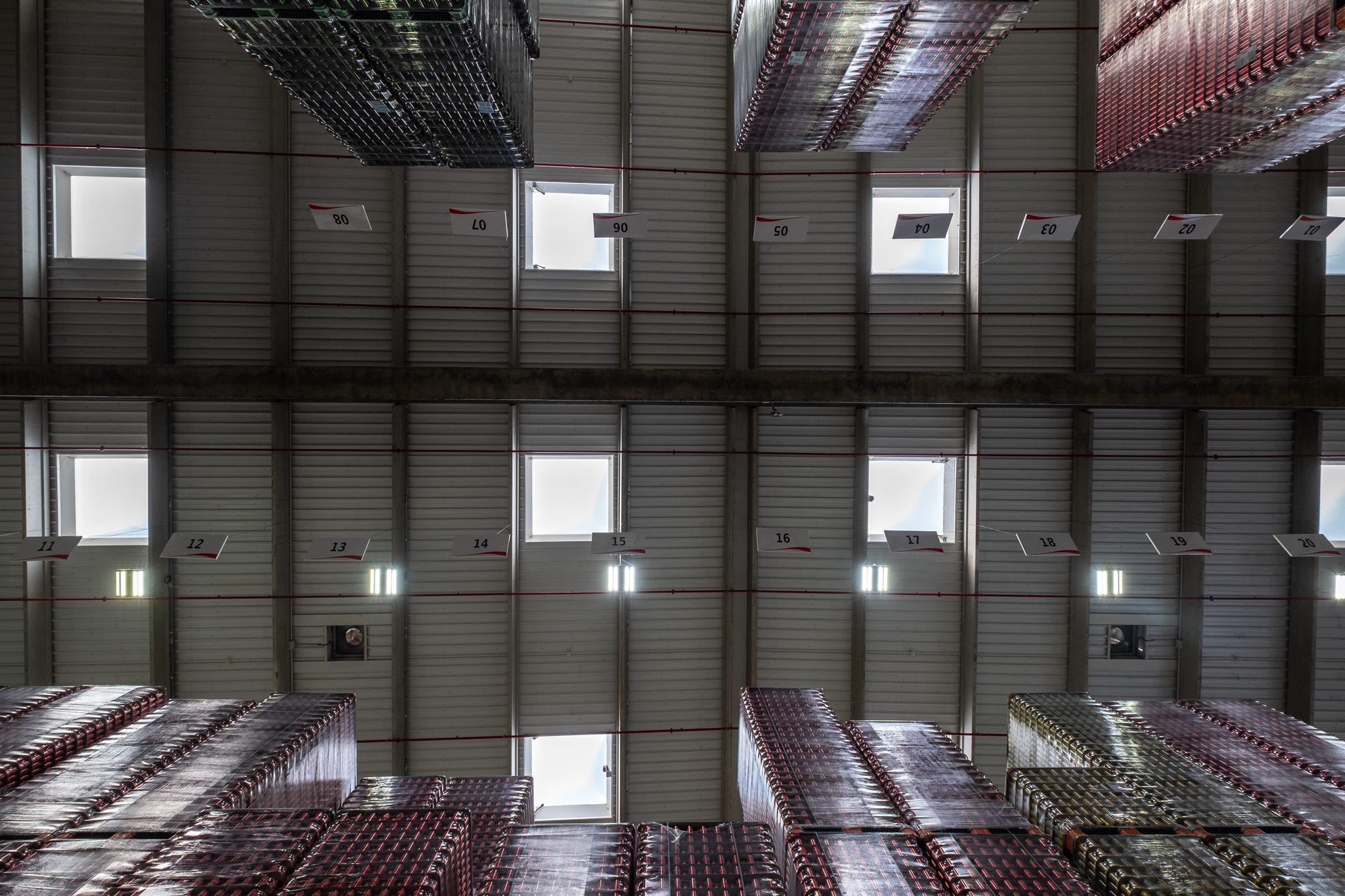 almacen-de-latas-cobega-iluminacion-inteligente-digital-lumens