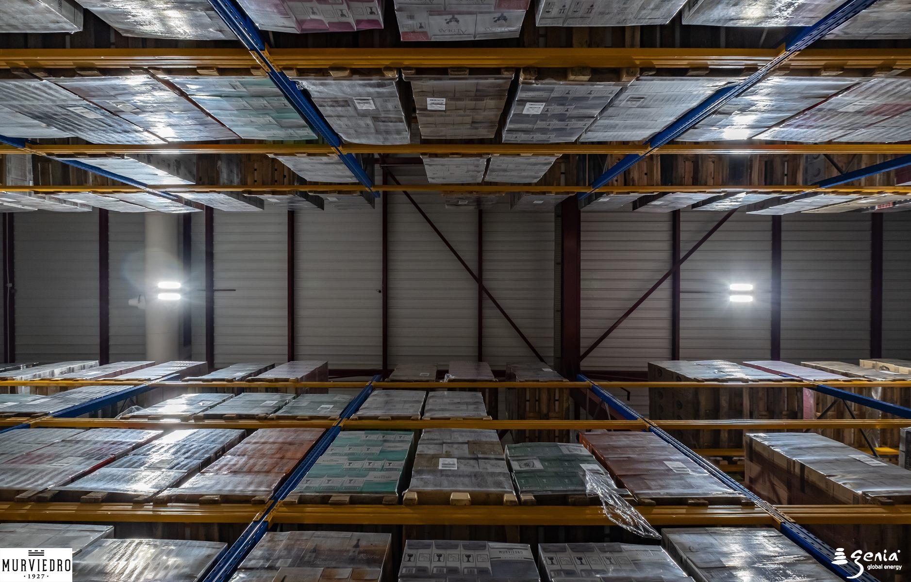 iluminacion-inteligente-bodegas-murviedro-pasillos-almacenamiento-y-logistica