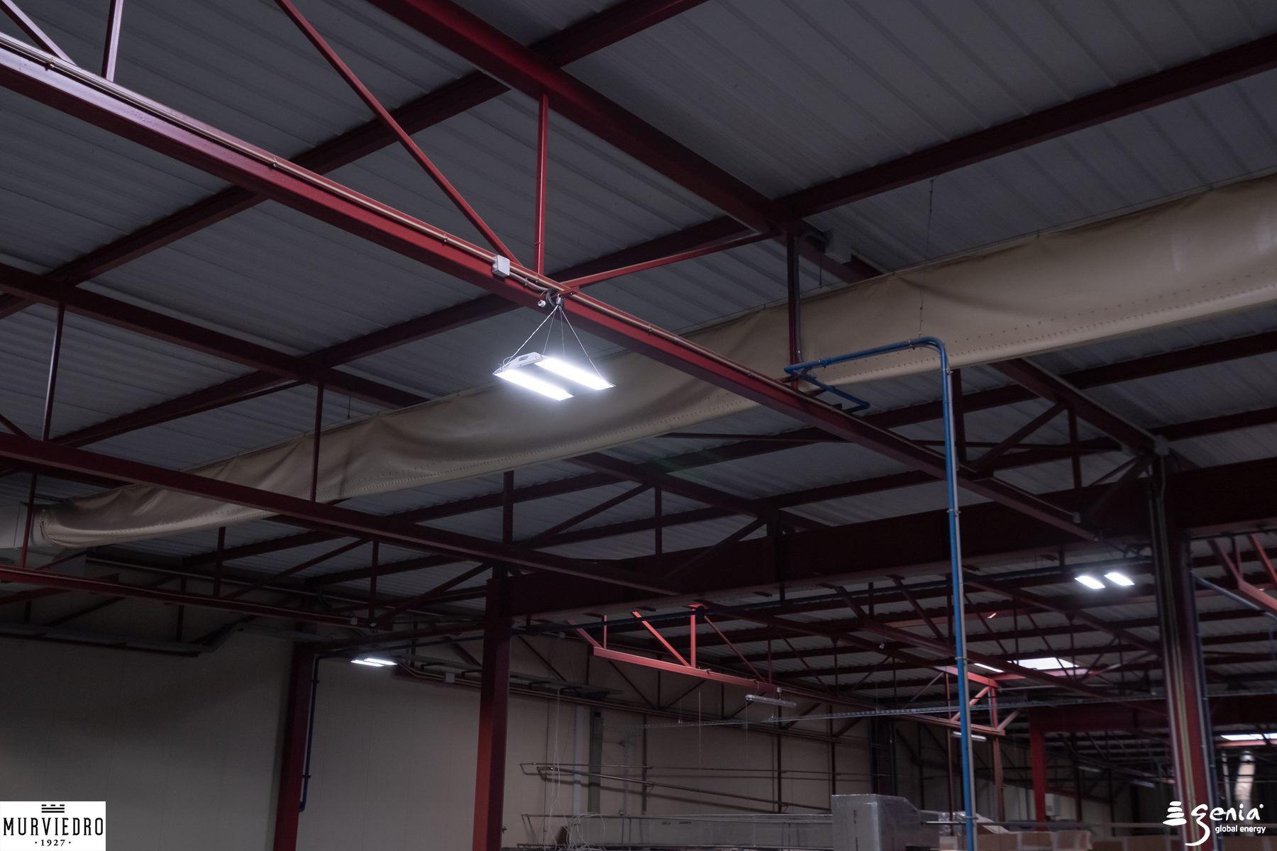 iluminacion-inteligente-industrial-bodegas-murviedro-almacen-detalle