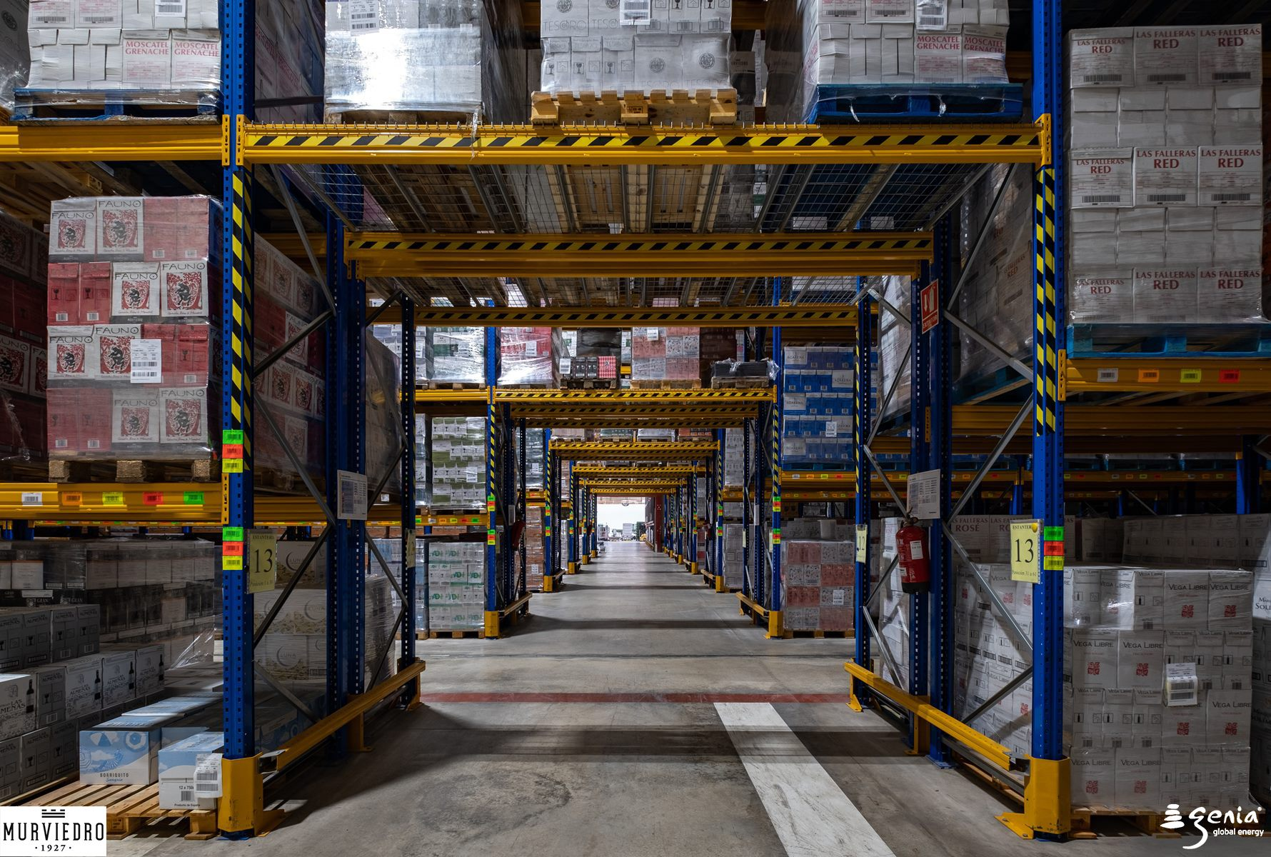 iluminacion-inteligente-industrial-bodegas-murviedro-pasillos-almacenamiento-y-logistica-