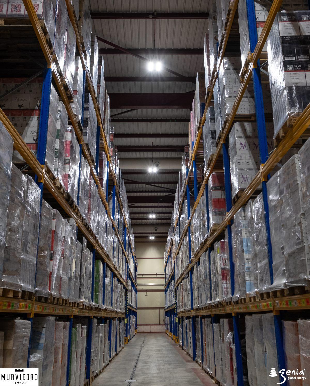 iluminacion-inteligente-industrial-bodegas-murviedro-pasillos-almacenamiento-y-logistica
